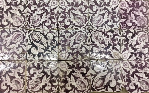 Antique wall tiles with pattern