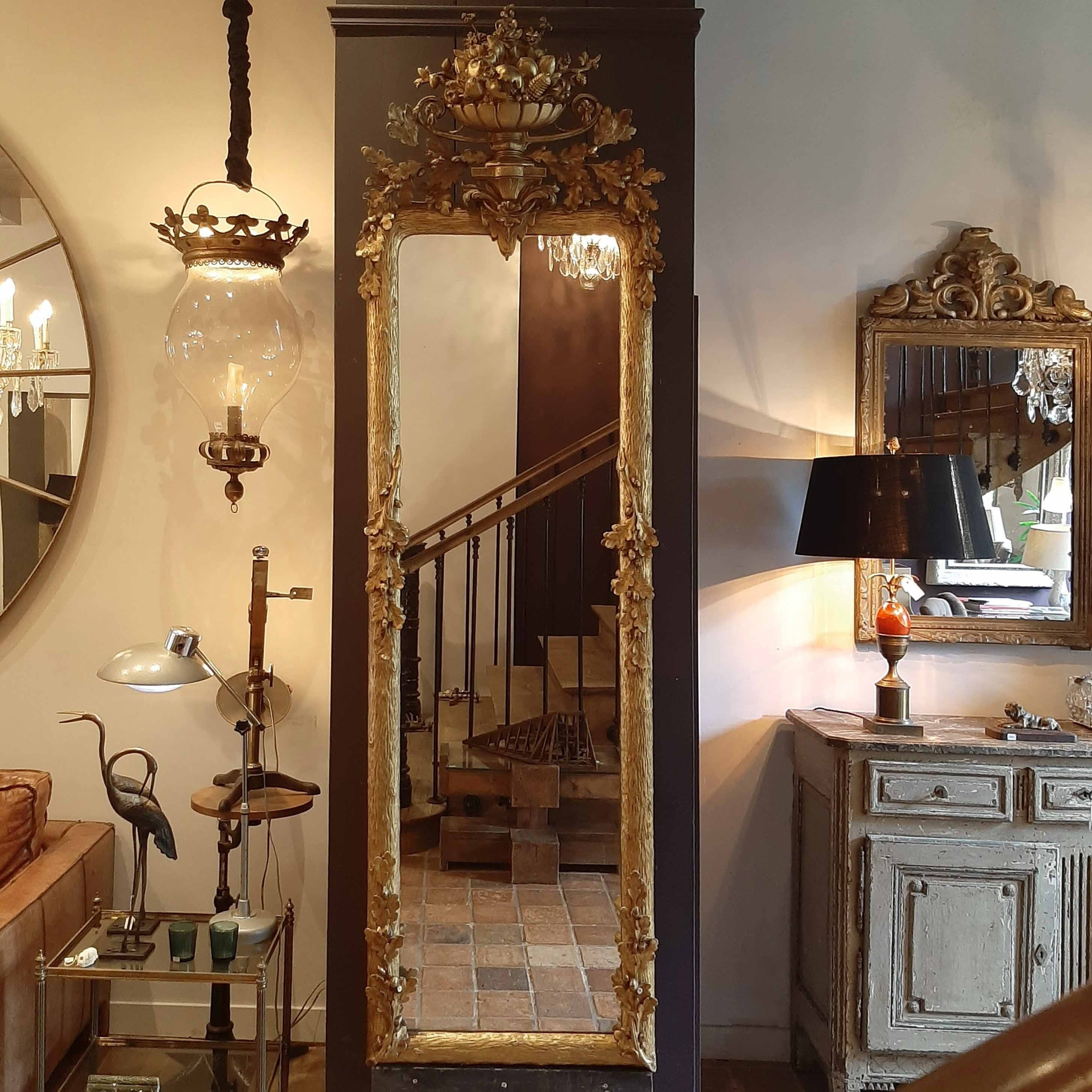 Classic penance mirror with oak leaf motif