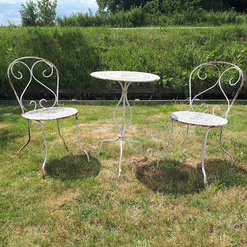 old white iron bistro set