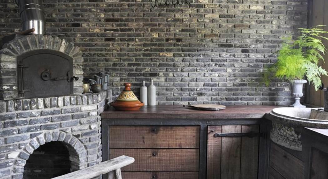Old Dutch braised (gray) bricks, so-called 'Paapjes'