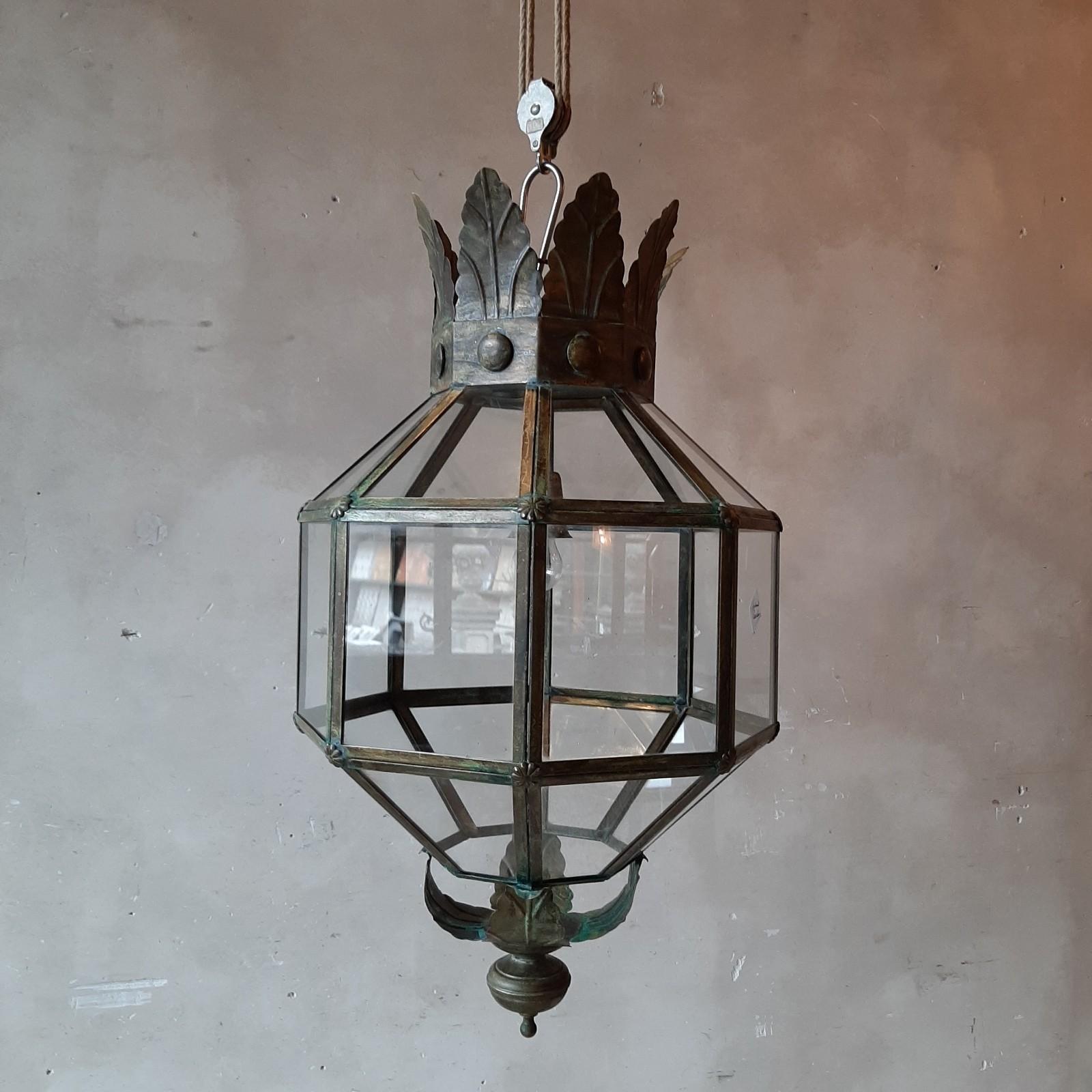 Paar koperen hanglampen