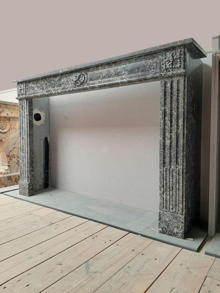 dutch-18th-century-fireplace